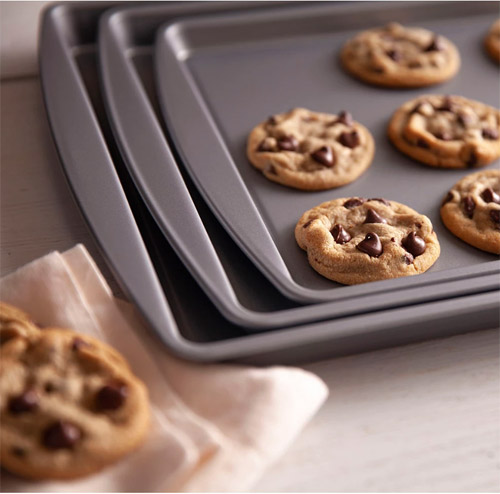LAST CHANCE >>>>> Not 1 but 3 FREE OvenStuff Nonstick Cookie Sheets! Exp 5/12/19