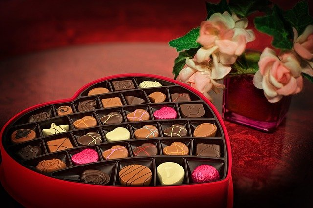 ♥ Celebrate Love & Romance With These Valentine's Day FREEbies ♥